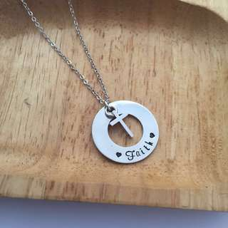 NL054- Minimalist Personalised Name Disc Cross Charm Necklace Cross Necklace - Made To Order -❤️Faith❤️- 1st alphabet Cap, the rest small letters Max 9 letters including any space & ❤️.