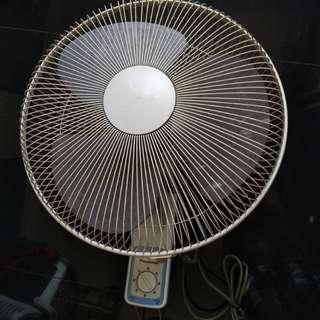 "Panasonic Wall Fan 18"""