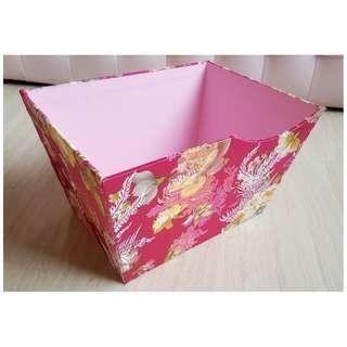 BN Embroidery Floral Holder (Rose Pink)