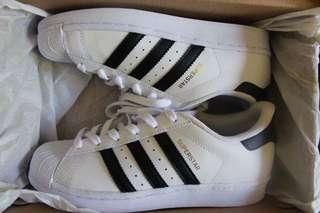 Brand new Adidas superstars unisex us 4