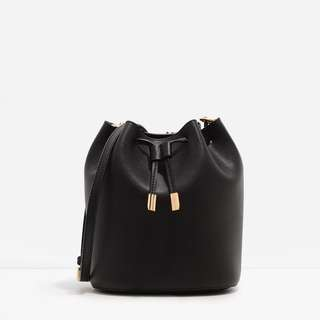 Charles & Keith Bucket Bag black