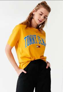 ‼️For Preorder‼️ Tommy Jeans Collegiate Crew-Neck Tee