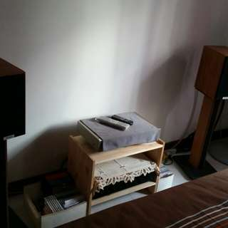 Bookshelf speaker used for 2yrs. Condition good. Small in size with sturdy bass.