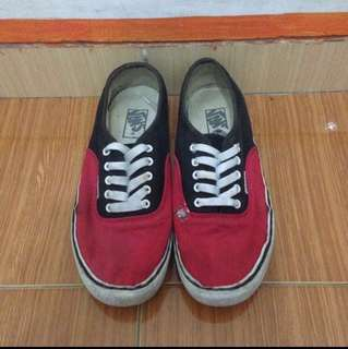 Sepatu Vans Authentic Red Black