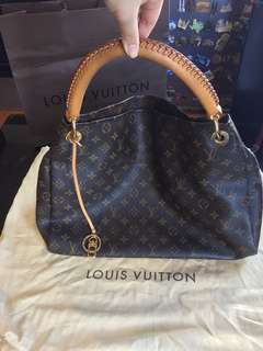 Louis Vuitton LV Artsy Authentic