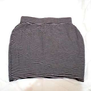 Stripes x Fitted Skirt