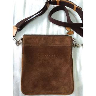 COACH咖啡色麂皮背包