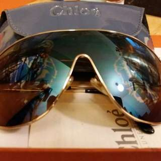 Chloe 私人珍藏特別版太陽眼鏡。  鏡面有虎頭圖案。  已收藏多年, 從未用過。
