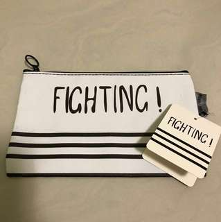 Fighting pouch