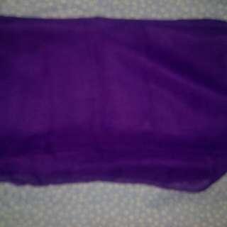 Hijab pasmina ungu