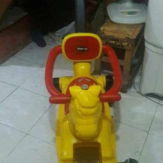 Rocking and Stroll horse with a melody sound