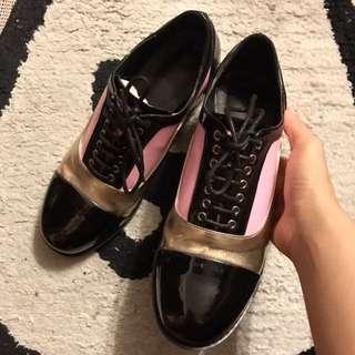 (全新) Chanel style pink x black shoes