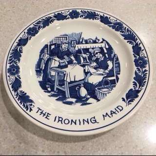 "Original Vintage 1987 Philips Iron Commemorative Advertising "" The Ironing Maid "" Plate Wall Decor For Bespoke Tailor Maid Agency Antique Iron Collectors Blue & White Porcelain Ceramic"