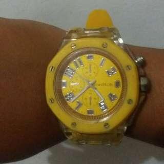 Men's yellow swatch #umn2018