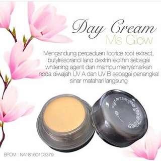 Ms glow day cream
