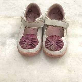 Baby/toddler shoes - to bless