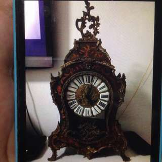 Vintage working well table clock