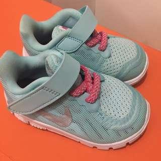 Nike 5.0 baby/toddler shoes (original) size 19.5 EUR