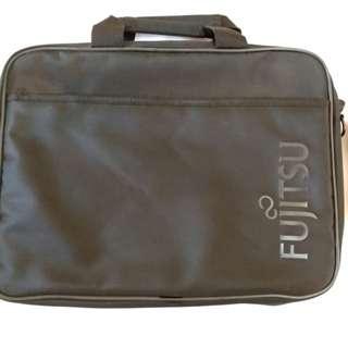 Fujitsu 電腦袋