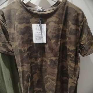 T-Shirt Army stradivarius