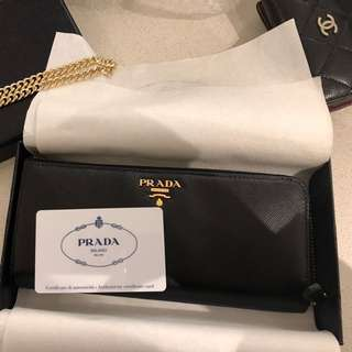 100% authentic Prada wallet