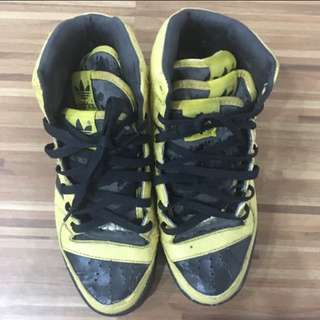 *CLEARANCE SALE* Adidas (Black & Yellow)