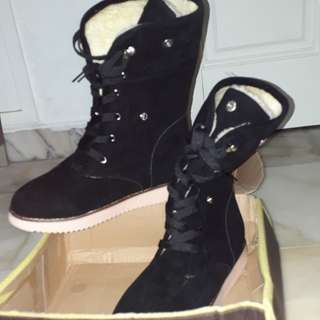 Winter Boots Size 40