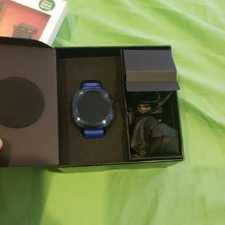 Samsung gear s sport blue +2 straps sligthly negotiable