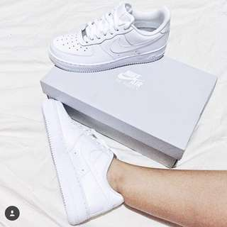 Nike Air Force 1 (Authentic)