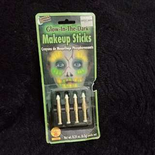 Glow in the Dark Make-up Sticks