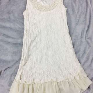 White lace dress with pearls