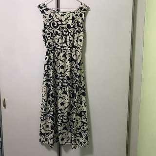 Preloved Floral Printed Maxi Dresss