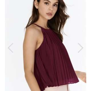 VALERIE PLEATED TOP IN BERRY