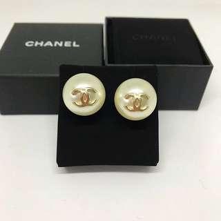 Chanel 珍珠耳環