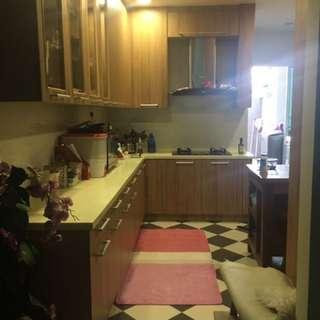 Kitchen cabinet (urgent & cheap)