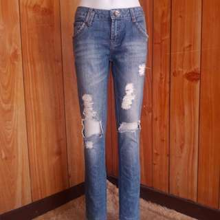 Tattered Skinny Fit Jeans