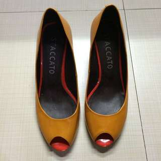 Authentic Staccato Wedges