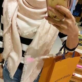 Lv scarf pink 粉紅色