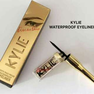 Kylie's eyeliner