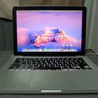 MacBook Pro 7.1 13 Inch Mid 2010 with power cable