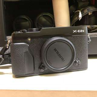 Fujifilm XE2s Black with lens