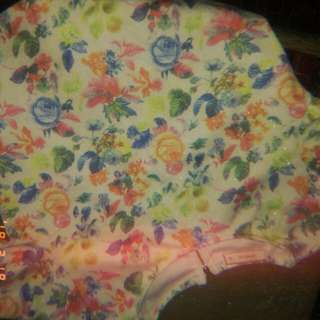 floral crop top with zipper at the back small/medium