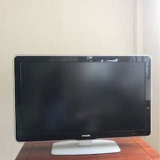 "42"" Philips TV, excellent screen quality"