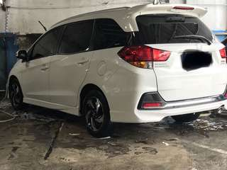 Mobilio RS A/T 2015 white