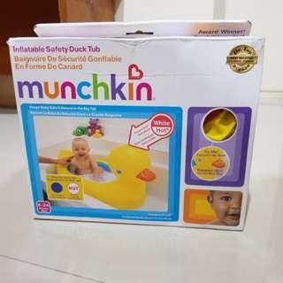 New munchkin baby bathub / bak mandi bayi