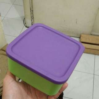 Tupperware small food container