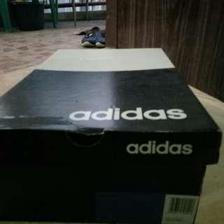 Box sepatu adidas original