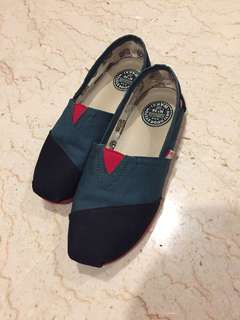 Wakai Black and Green Shoes