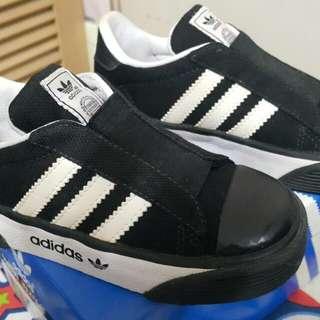 全新 Adidas 小童波鞋