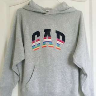 Gap 女版灰色彩虹條紋上衣